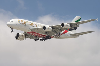 Emirates w ciągu 5 lat przewiozły ponad 975 tys. pasażerów na trasie Warszawa -Dubaj