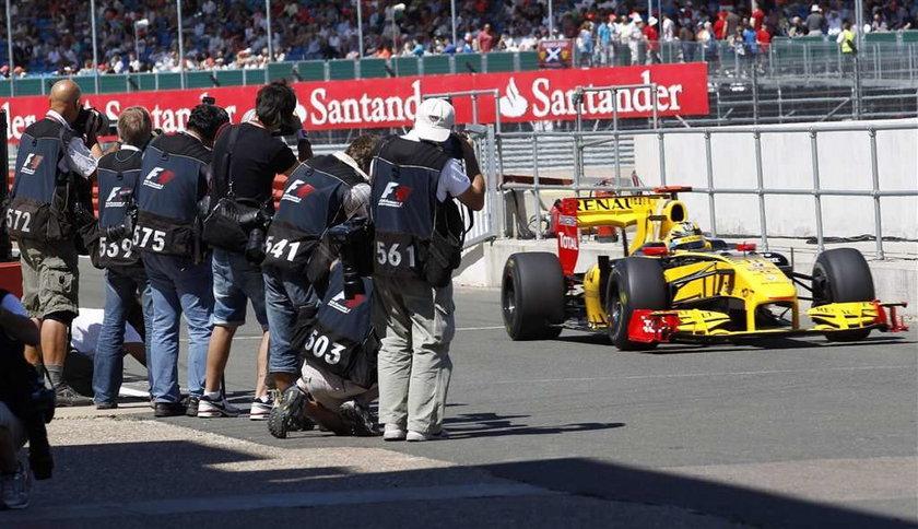 Kubica przestrzega Renault