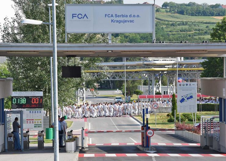 Kragujevac_FIAT AUTOMOBILI SRBIJE_deseti dan strajka radnika radnika u krugu fabrike_foto Nebojsa Raus_3_preview