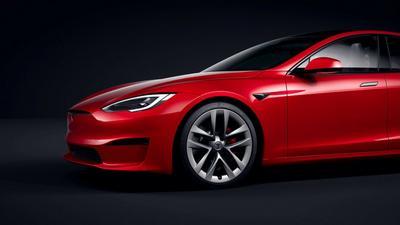 Tesla Model S Plaid - nowe informacje i... rekord na ćwierć mili
