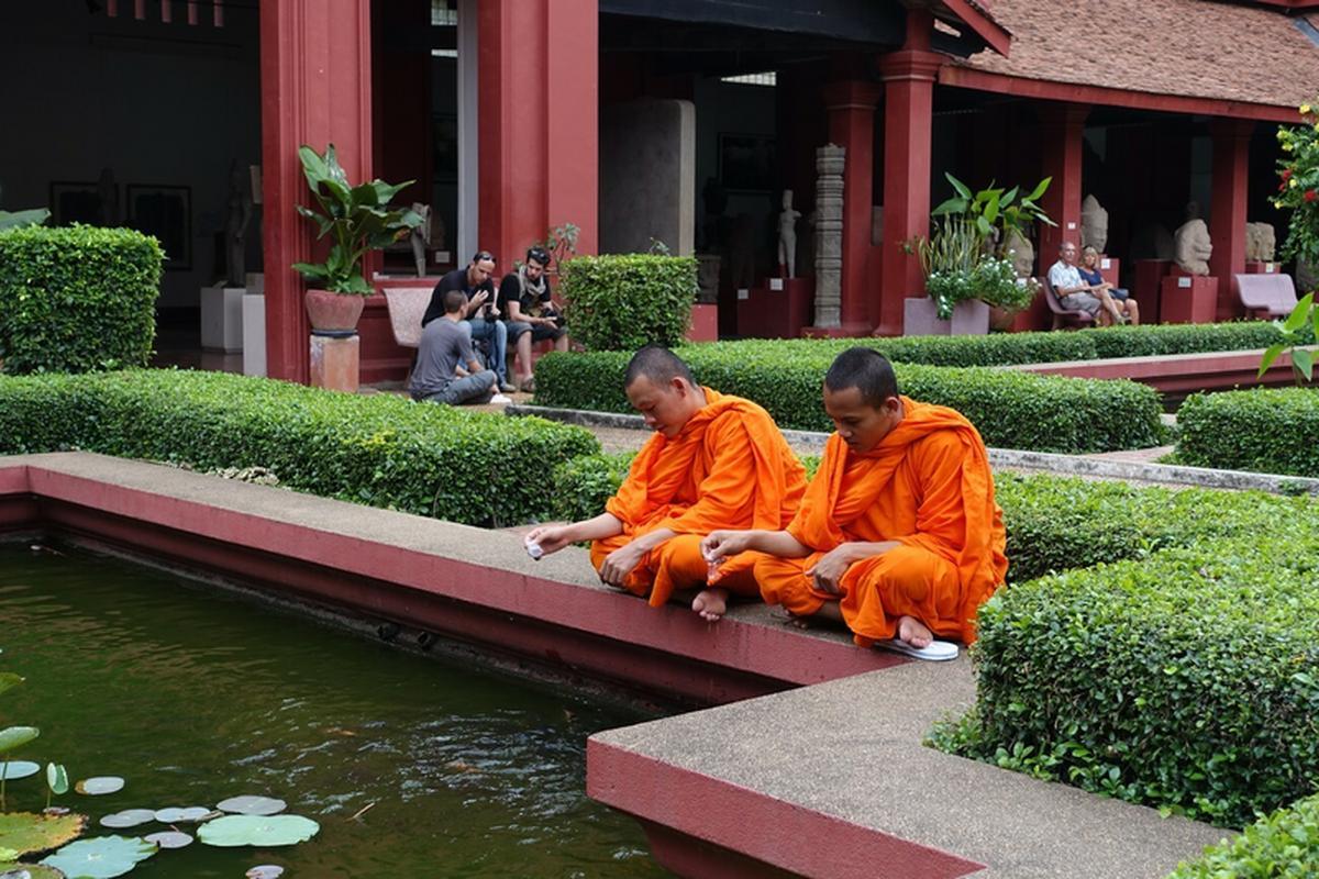 Buddyści wierzą, że medytacja pozwala uwolnić się od niszczącej i bezsensownej pogoni za szczęściem. Uczą, by żyć tu i teraz