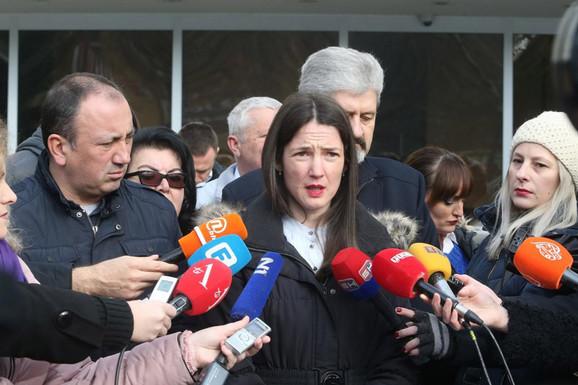 NIJE ODUSTALA Trivićeva pitala premijera šta će učiniti povodom LAŽNOG PREDSTAVLJANJA ministra Đokića