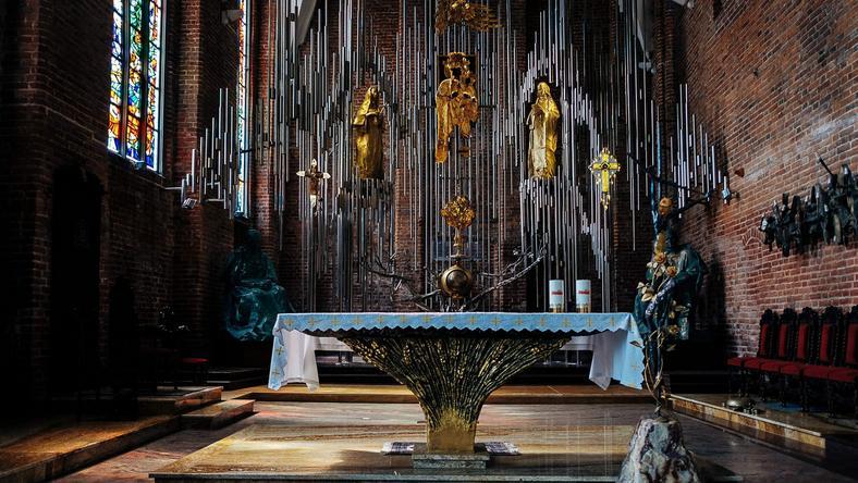 W Gdańsku powstaje największy na świecie ołtarz z bursztynu