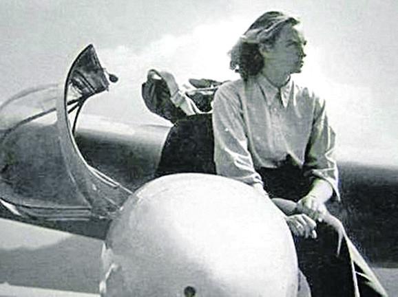 Pionir ženskog vazduhoplovstva: Ljudmila Jovanović