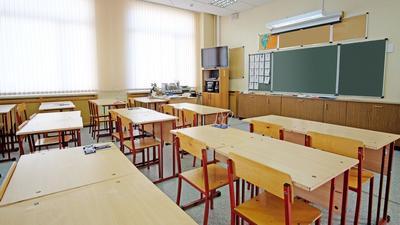 """1 września uczniowie pójdą normalnie do szkół. Zaszczepione dzieci dostaną specjalny """"bonus"""""""