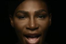 """OZBILJAN RAZLOG Da, Serena Vilijams se stvarno SKINULA GOLA i zapevala """"Dodirujem se"""" /VIDEO/"""