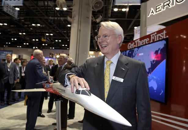 Miliarder Robert Bass News na konferencji NBAA Convention