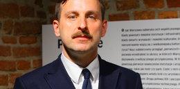 Nóż z twarzą Kaczyńskiego. Wicedyrektor muzeum odwołany za skandaliczną grafikę