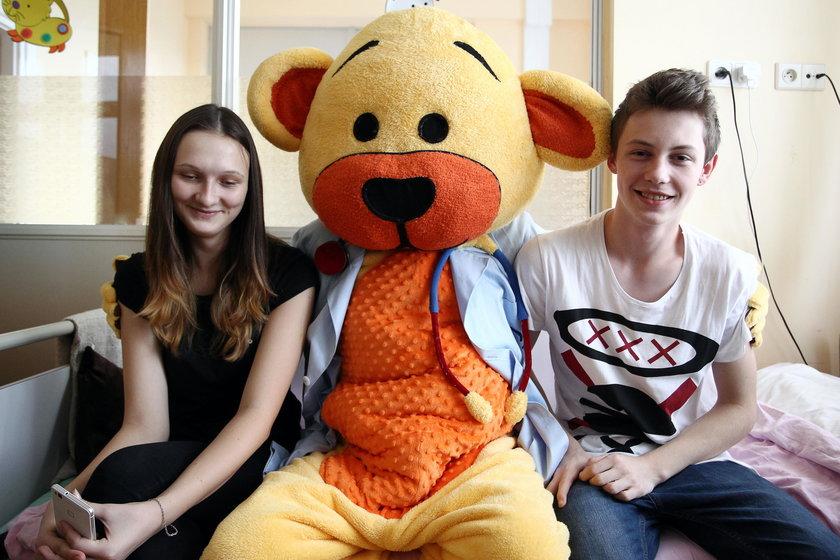 Miś zaczął pracę w Górnośląskim Centrum Zdrowia Dziecka w K-cach