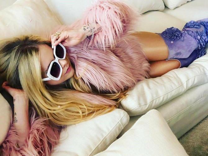 Avril Lavinj otkrila kroz kakav pakao je prolazila