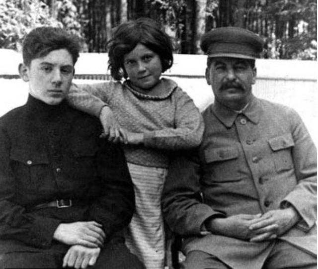 Staljin s decom