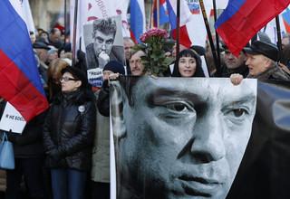 Moskwa maszeruje z portretami Niemcowa