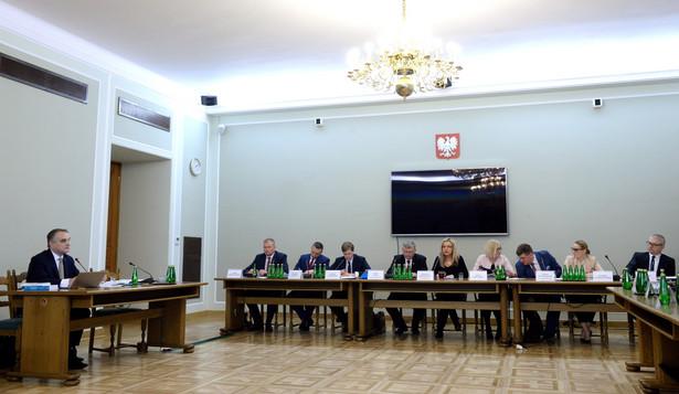Waldemar Pawlak przed komisją ws. Amber Gold