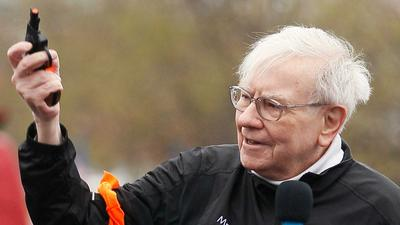 Warren Buffett's next 'elephant-sized' acquisition may face antitrust risks after regulators tanked 2 megadeals this month