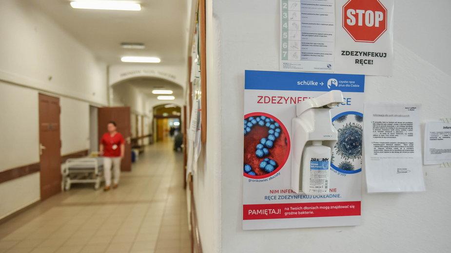Trzy dni temu odnotowano 658 chorych, co było dobowym rekordem zakażeń w Polsce