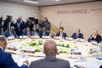 President Kagame, in his capacity as the Chair of the East African Community and other chairs of regional economic communities across Africa