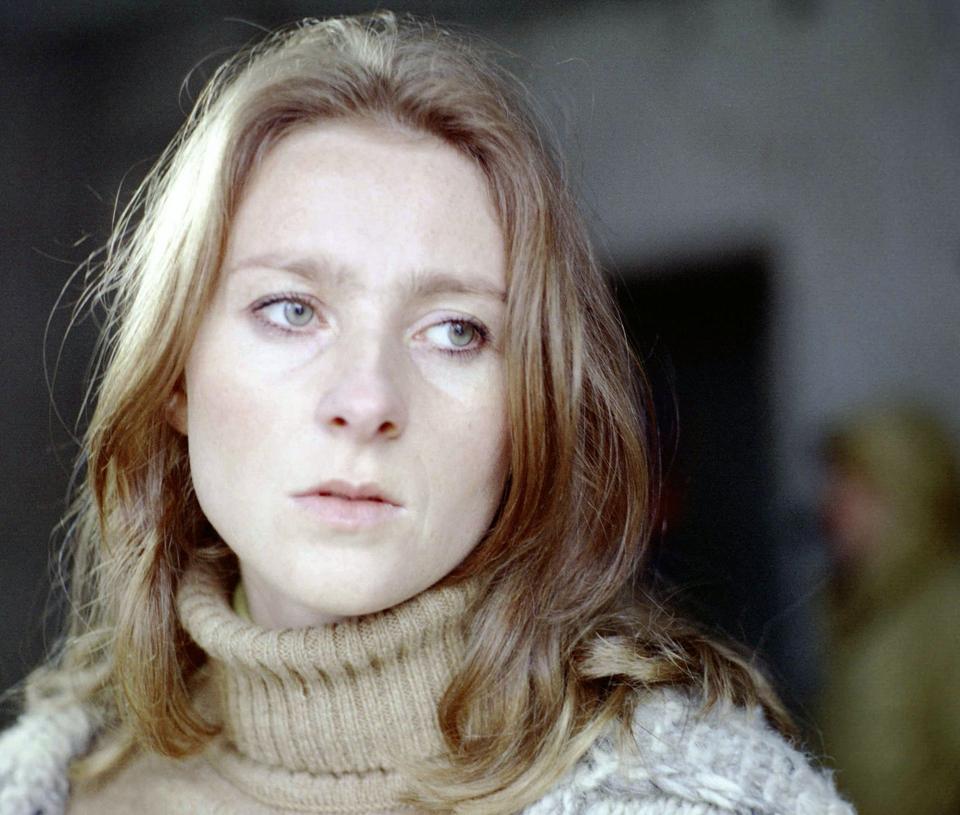 """Agnieszka Mandat w filmie """"Dziecinne pytania"""" (1981)"""