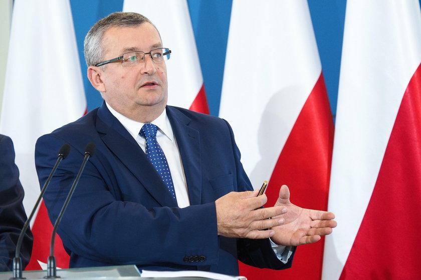 Andrzej Adamczyk, minister infrastruktury.