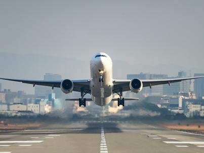 Pasażerowi samolotów pod lupą służb