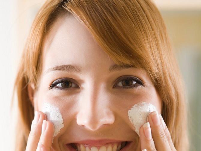 Evo koje preparate dermatolozi NIKADA ne bi stavili NA LICE