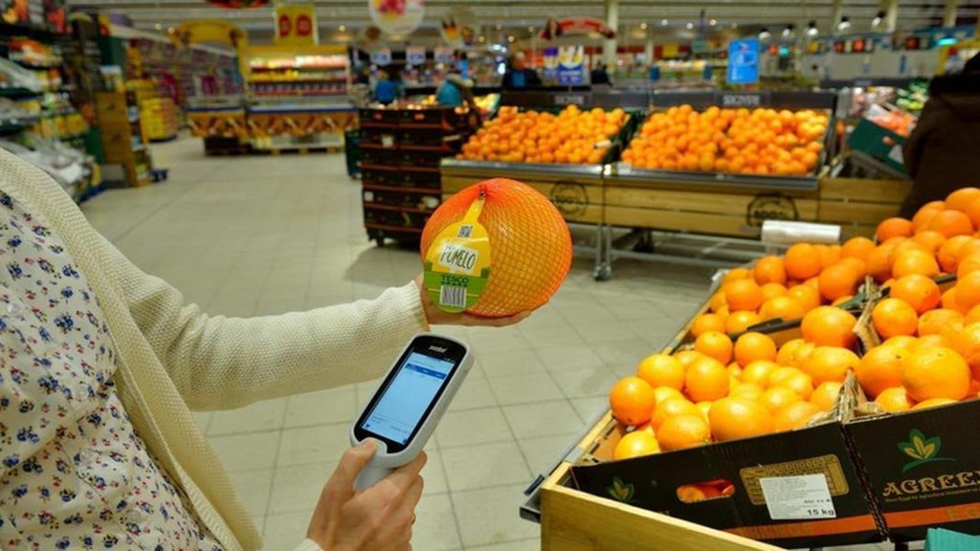 Skaner do samodzielnego skanowania zakupów w Tesco
