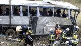 Masakra w polskim autokarze. Nie żyją młodzi pasażerowie i kierowcy