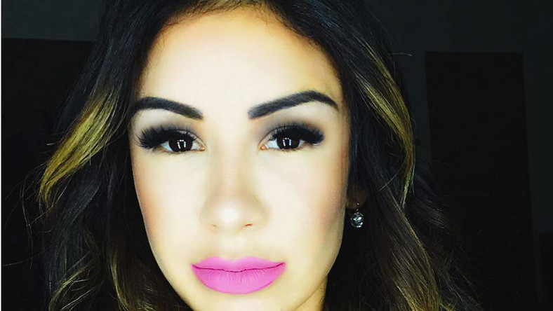 Plastic surgery gone wrong: Bad nose job leaves lady with