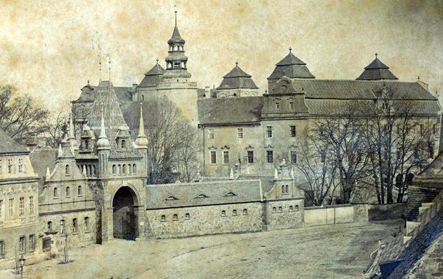 Zamek Książęcy Niemodlin w 1870 r.