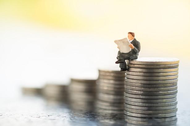 Podstawowa stawka podatku VAT Tna gazety i czasopisma wynosi 8 proc.