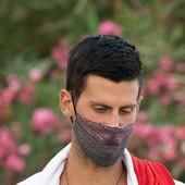 NEOBIČNA FOTOGRAFIJA NOVAKA ODJEKNULA PLANETOM! Španci ga uslikali golog do pasa, Srbija odmah zna šta je nosio, ali tu je još jedan DETALJ! /FOTO/