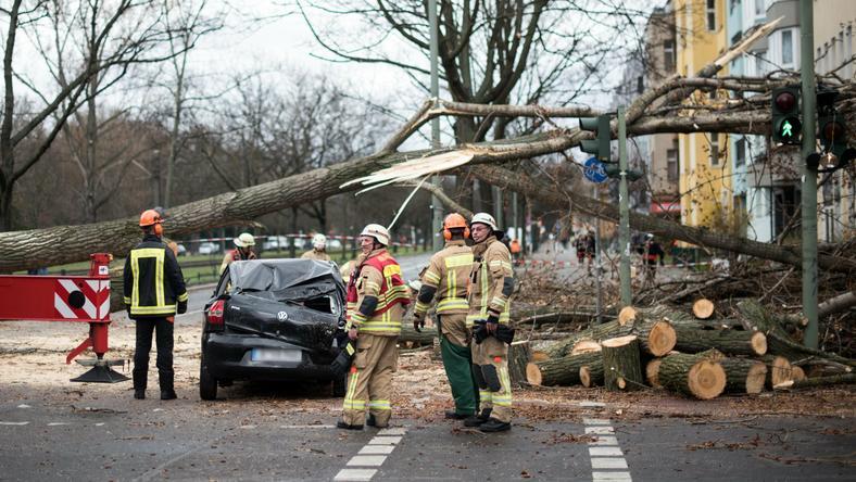 Trzy ofiary śmiertelne huraganu Niklas w Niemczech