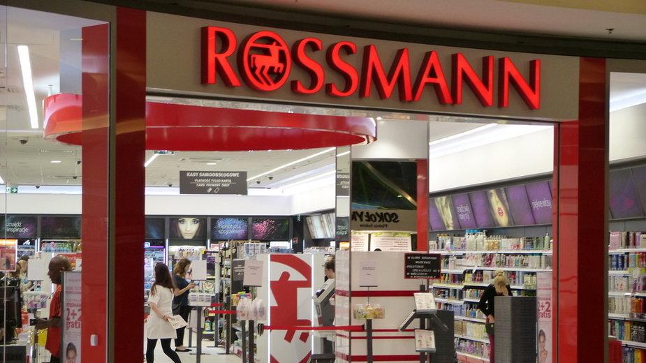 Rossmann ogłosił megapromocję. Przeceny nawet do -50 proc.! Co kupimy taniej?