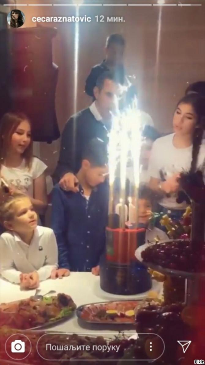 Duvanje svećica sa porodicom