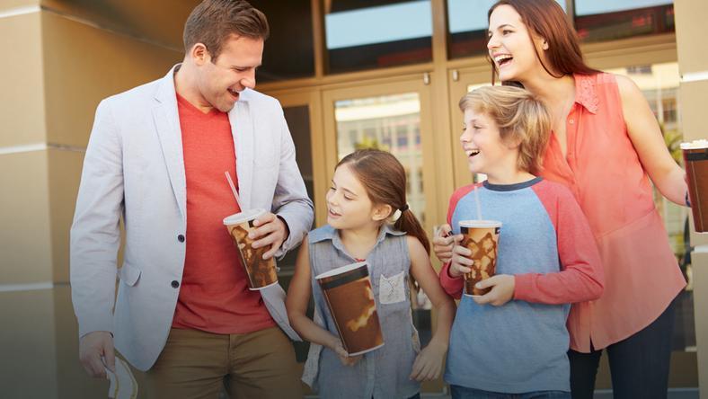 Wygraj rodzinny wypad do kina! Smerfowanie z owocami i warzywami