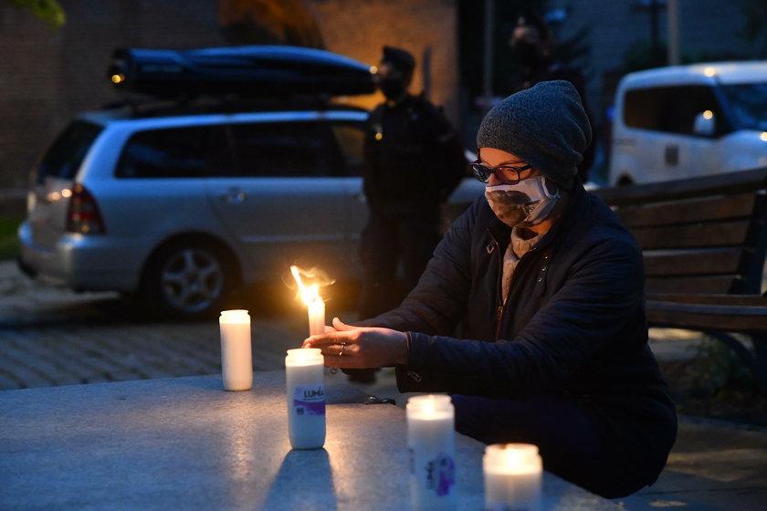 Protest pod siedzibą Episkopatu po filmie braci Sekielskich
