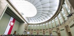 Drożyzna dusi Polaków, a w Sejmie niepojęte rozpasanie. To już jakiś obłęd!