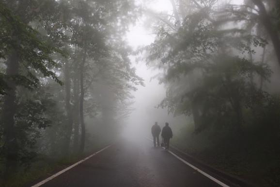 Na Avali je jutros bilo toliko magle da se nije video prst pred okom