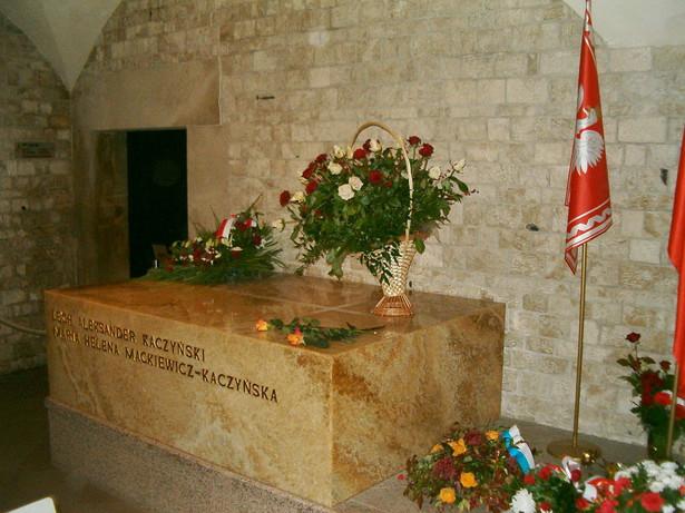 Sarkofag Prezydenta RP Lecha Kaczyńskiego i jego żony Marii