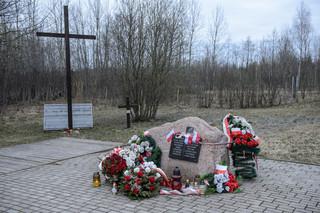 Polska delegacja na miejscu katastrofy Tu-154M w Smoleńsku
