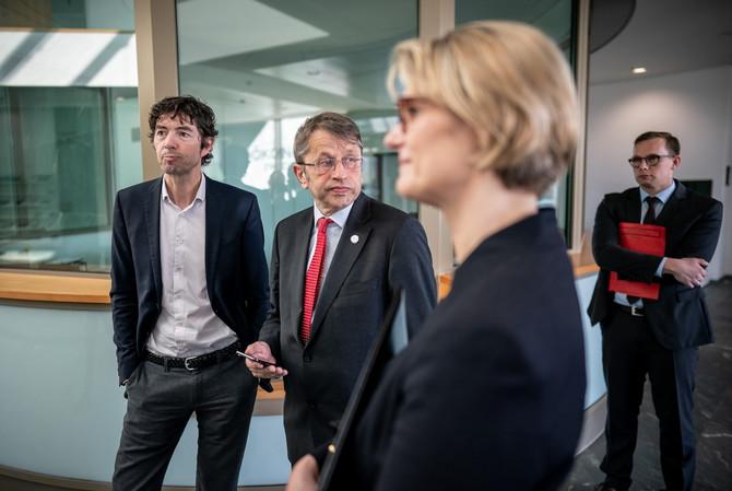 Profesor Drosten sa kolegama u Berlinu