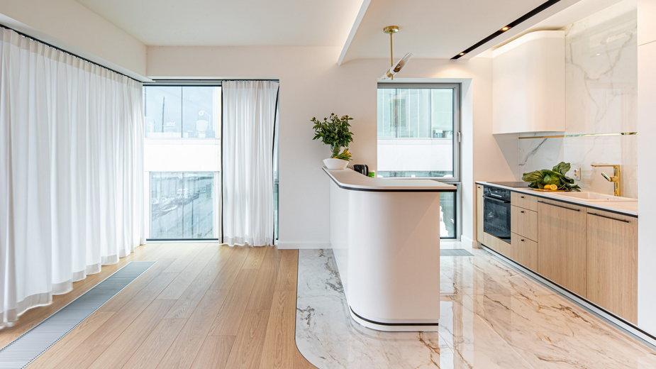 Apartament w Yacht Park w Gdyni. Inspiracjąbyła pobliska przystań jachtowa