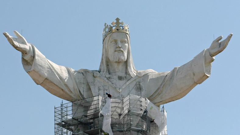 Po sześciu latach od zakończenia budowy, figura Jezusa, króla Wszechświata przejdzie gruntowny remont.