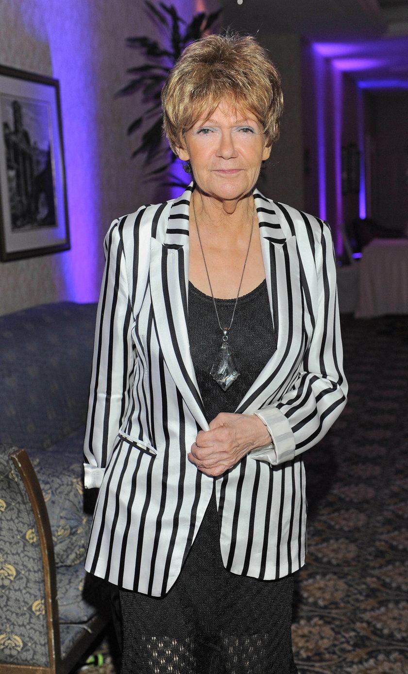 Maria Czubaszek w żakiecie w paski