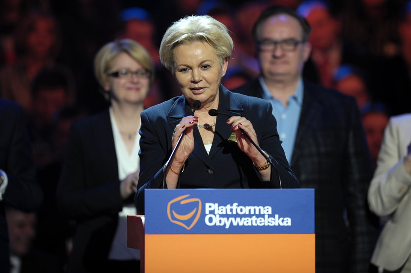 Krystyna Skowrońska bierze kredyty w banku, którym kieruje