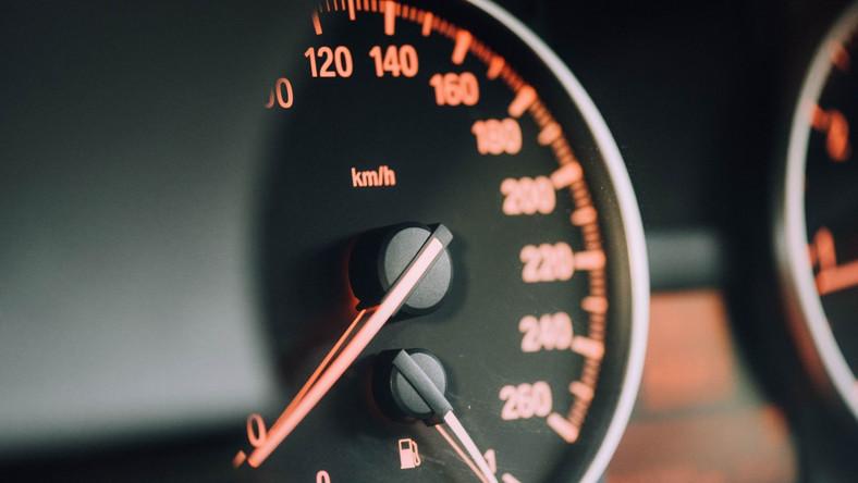 Kary za fałszowanie wskazań liczników samochodowych
