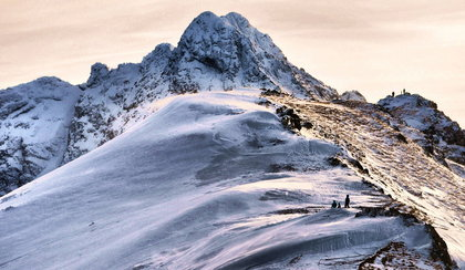 Dramat w Tatrach. Dwoje turystów spadło ze szlaku
