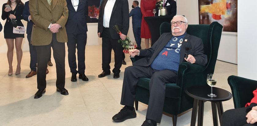 Lech Wałęsa wyprawił skromne urodziny. Nie to, co Mazurek. Jednej osoby brakowało [SAMI SPRAWDŹCIE]