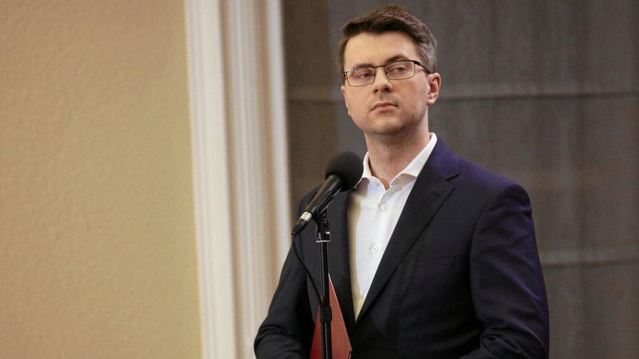 Koronwirus: Ile potrwają obostrzenia? Rząd ma plan na okres po 9 kwietnia/ Na zdjęciu minister Piotr Müller