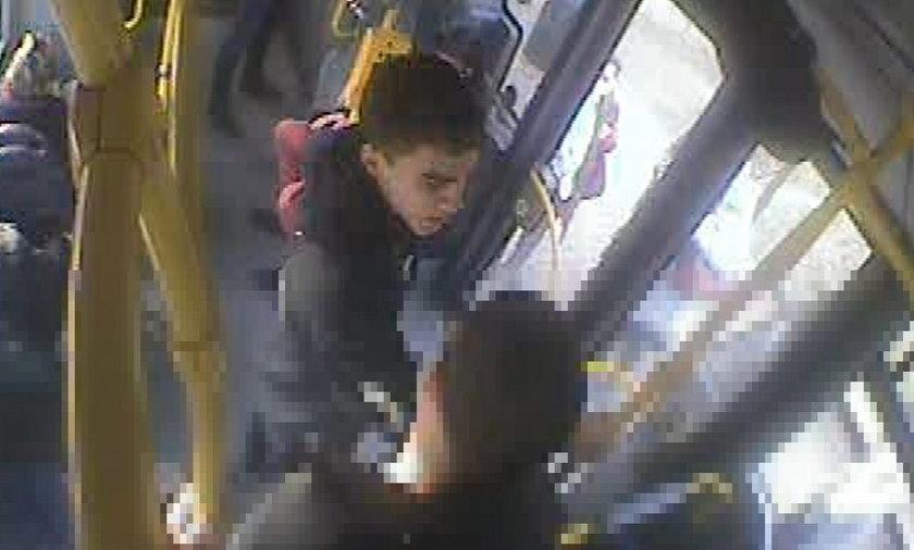 Brutalne pobicie w autobusie. Policja szuka tego mężczyzny.