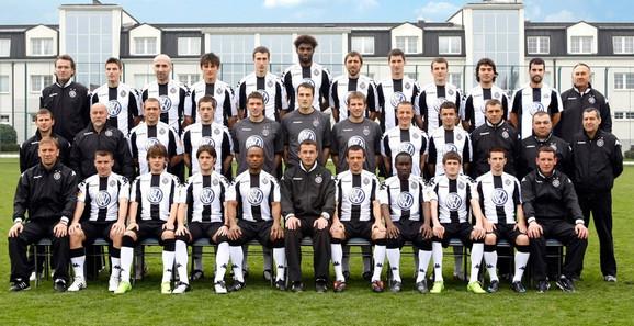 Osvajači duple krune 2008/2009, fudbaleri Partizana sa stručnim štabom